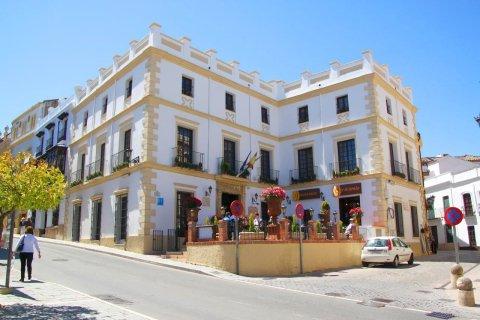 海明威宫殿酒店(Hotel Palacio de Hemingway)