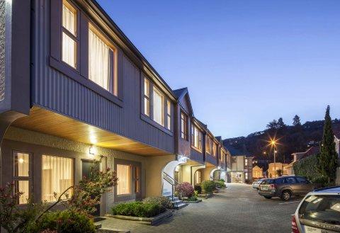 阿姆罗斯汽车旅馆(Amross Motel)