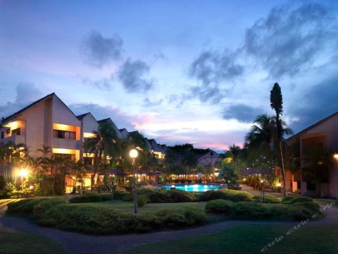 珍拉汀海滩度假村别墅酒店(Holiday Villa Beach Resort & Spa Cherating)
