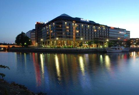 赫尔辛基斯特兰德希尔顿酒店(Hilton Helsinki Strand)