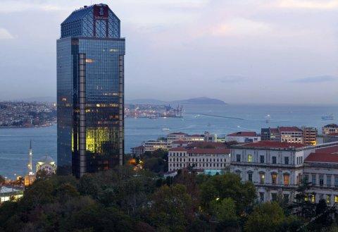 伊斯坦布尔博斯普鲁斯海峡丽思卡尔顿酒店(The Ritz-Carlton, Istanbul at The Bosphorus)