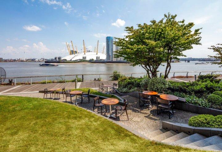 伦敦新普罗维登斯码头爱德华丽笙酒店(Radisson Blu Edwardian New Providence Wharf Hotel London)