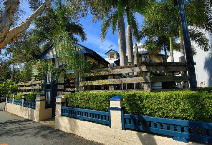 布里斯班庄园酒店(Brisbane Manor Hotel)