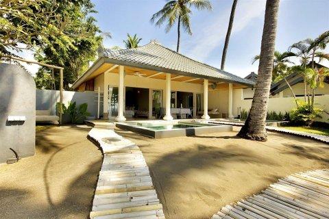 李林罗威那海滩酒店(Lilin Lovina Beach Hotel)