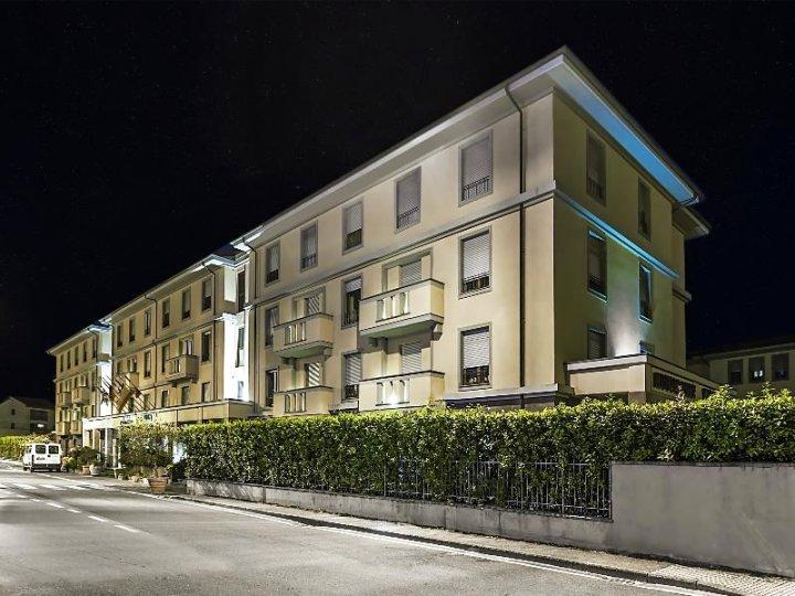布拉诺大酒店(Grand Hotel Bonanno)