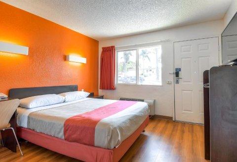 洛杉矶 - 长滩6号汽车旅馆(Motel 6 Los Angeles - Long Beach)