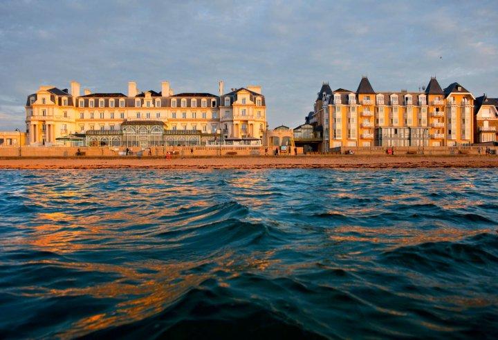 格兰德酒店(Grand Hôtel des Thermes)