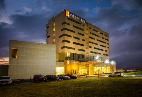 托卢卡埃尔罗普埃托费斯塔客栈酒店(Fiesta Inn Toluca Aeropuerto)