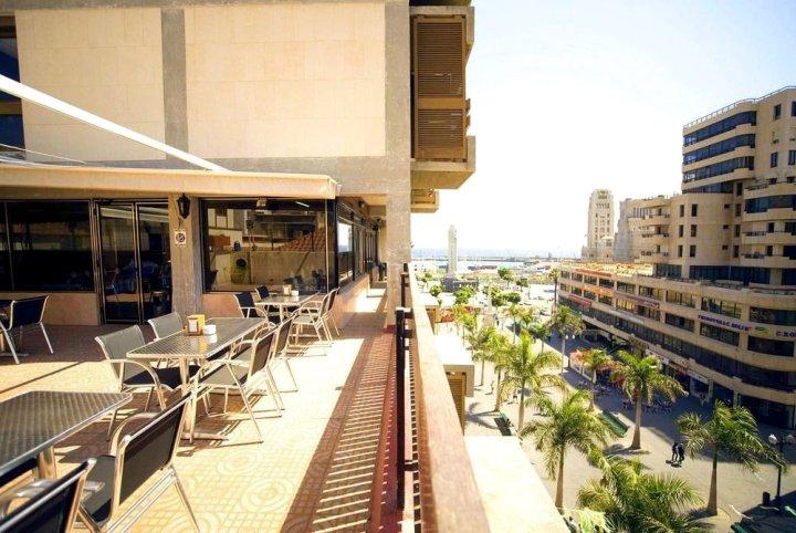 阿多尼斯广场酒店(Hotel Adonis Plaza)
