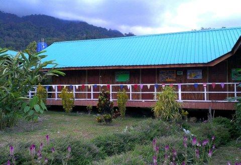 京那巴鲁波灵假日小屋(Kinabalu Poring Vacation Lodge)