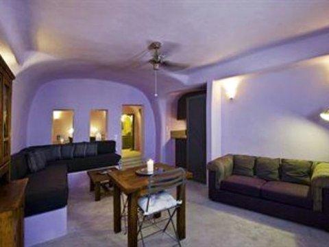 西奥多拉套房酒店(Theodora Suites)