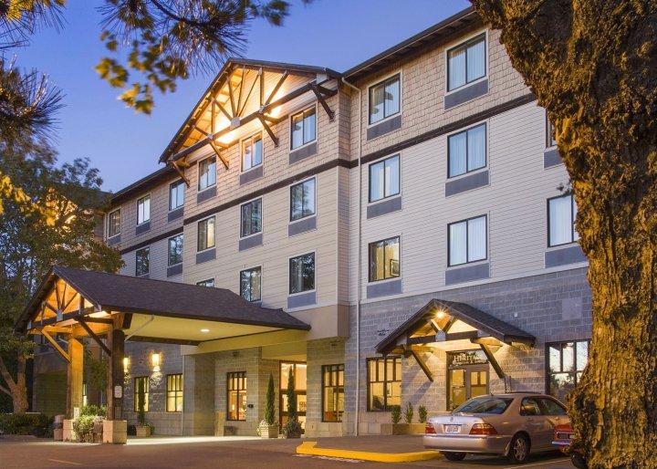 吉格港酒店(The Inn at GIG Harbor)