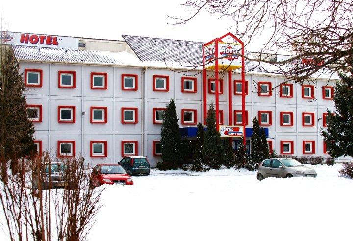 驻爱福酒店(Drive Inn Hotel)