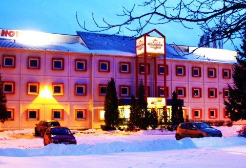 德莱弗因酒店(Drive Inn Hotel)