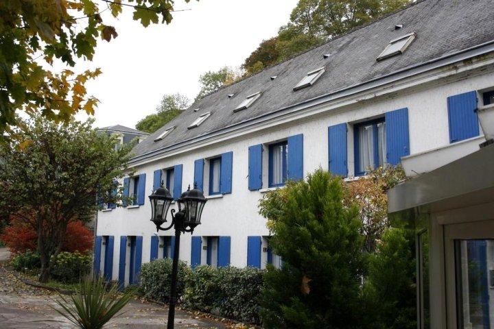 开花的卡斯特尔酒店(Castel Fleuri)