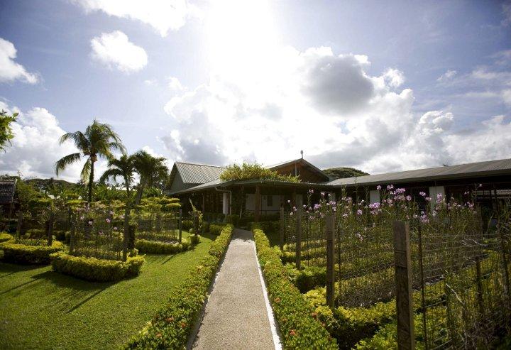 马丹酒店(Madang Lodge Hotel)