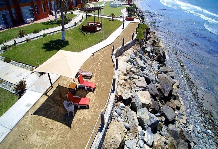 新巴哈港酒店及别墅(Puerto Nuevo Baja Hotel & Villas)