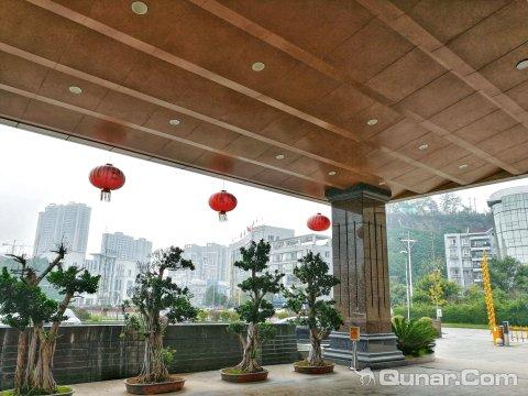 蓬溪赤诚大酒店