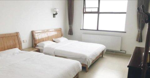 平江一峰尖酒店