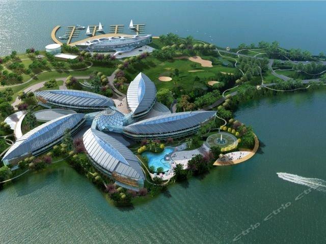 上海滴水湖皇冠假日酒店