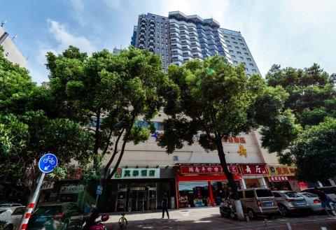莫泰168(长沙火车站地铁站店)
