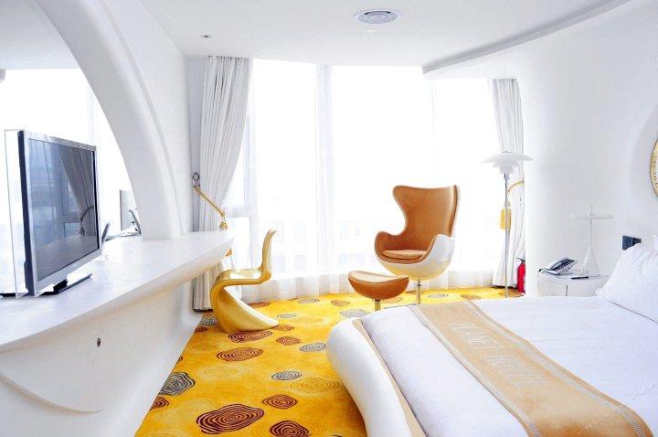 广州普兰内特概念酒店
