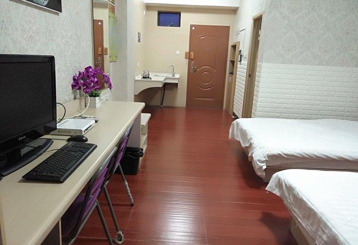 龙海阳光假日旅馆