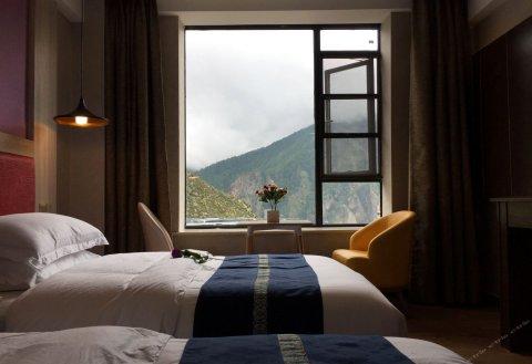 稻城亚丁藏亚文化酒店