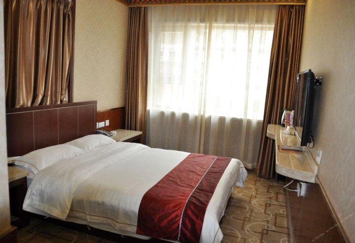 夏河水晶宾馆