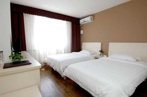 速8酒店(大连火车站店)