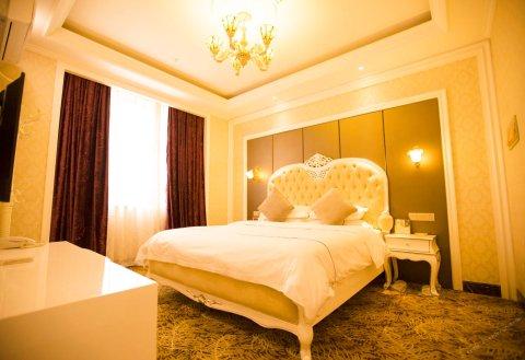 库尔勒明悦皇冠精品酒店