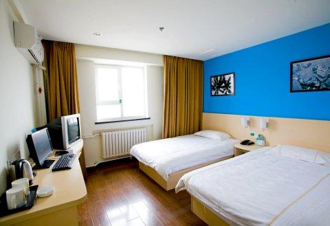 速8酒店(盘锦客运站店)