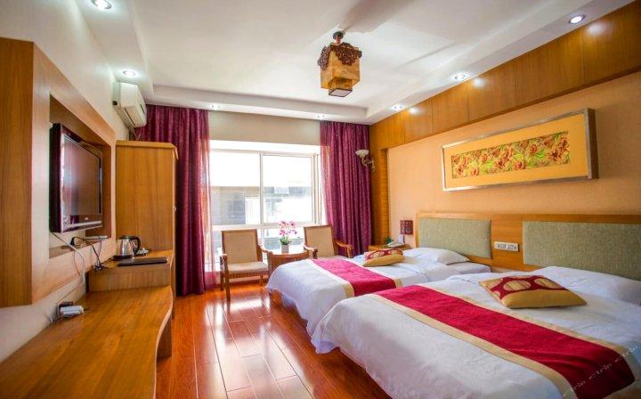 景洪圣提雅娜酒店