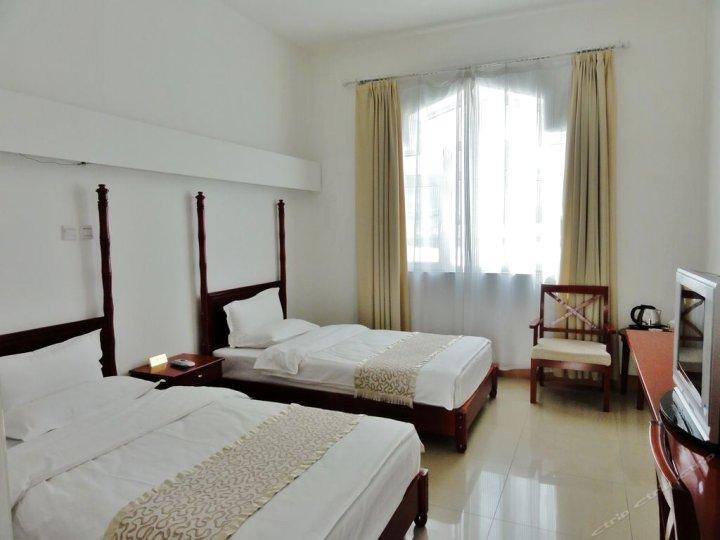 喀什塔什库尔干皇冠酒店