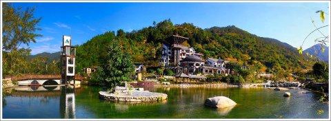 云浮天露山禅龙峡湖景酒店