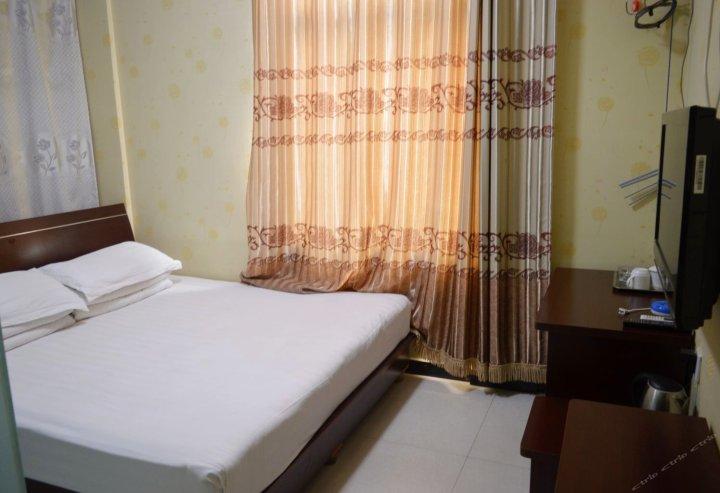 平山泊客商务酒店