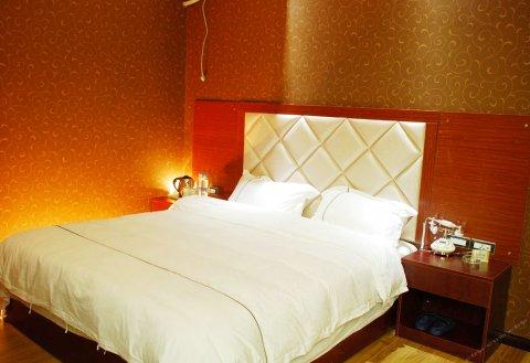 施秉鼎洲酒店