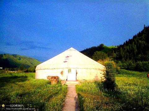 那拉提雪岭避暑山庄