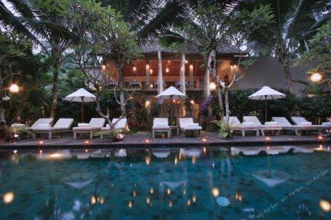 珀里苏尼亚假日酒店(Puri Sunia Resort)