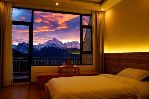 德钦明珠拉卡雪山观景酒店