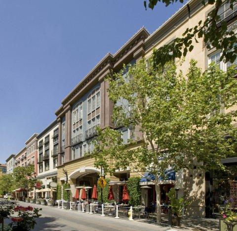圣何塞安全屋套房酒店(San Jose Safehouse Suites)