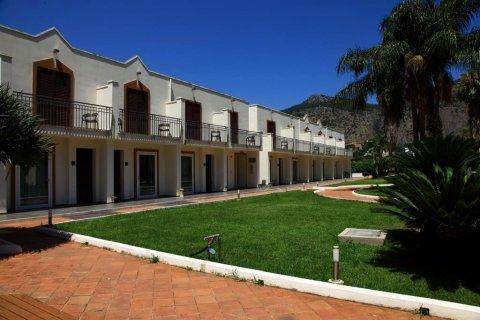 卡赛娜狄科里酒店(Hotel Casena Dei Colli)