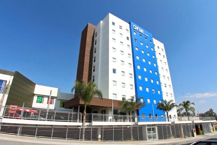瓜达拉哈拉北部周边其一酒店(One Guadalajara Periferico Norte)