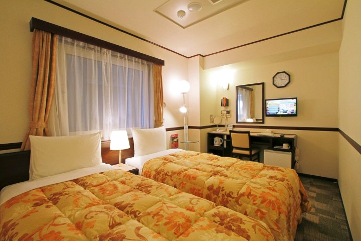 鹿儿岛中央站西口东横 INN(Toyoko Inn Kagoshima-Chuo-Eki Nishi-Guchi)