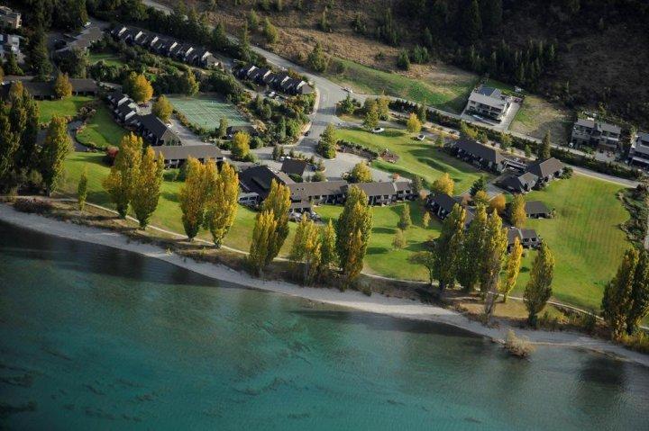 瓦娜卡湖厄齐沃特酒店(Edgewater Hotel Wanaka)