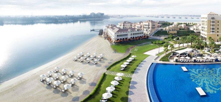 阿布扎比(大运河)丽思卡尔顿酒店(The Ritz-Carlton Abu Dhabi Grand Canal)
