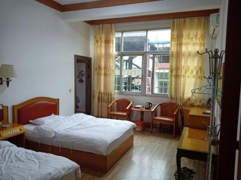 漳平稳全旅馆
