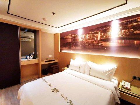 深圳莱卡畔山酒店