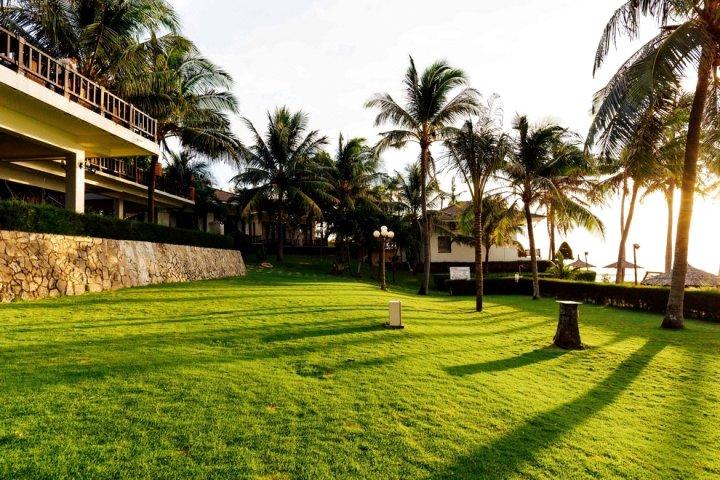 莲花村度假酒店(Lotus Village Resort)