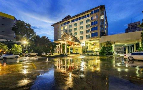 布里斯里普酒店及会议中心(Buri Sriphu Hotel & Convention Centre)